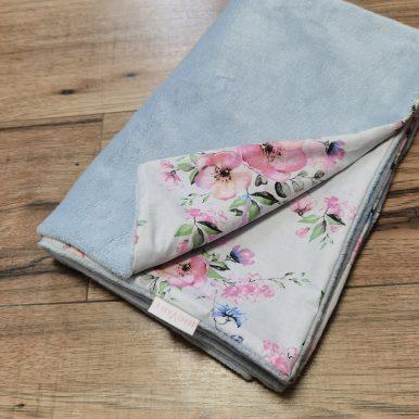 Detská deka – plyš modrá + kvety na sivom – SKLADOM