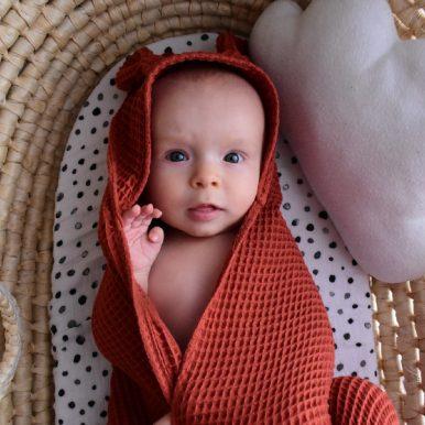 Detská osuška s kapucňou a uškami – tehlová