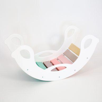 Drevená montessori hojdačka SwingMe – biela/dúha