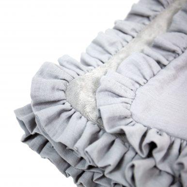 Zateplená mušelínová deka s volánom